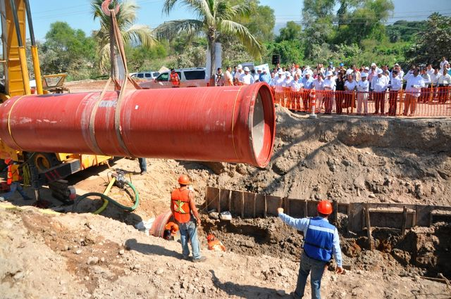 Instala seapal 32 mil metros de tuber a para agua y - Tuberias para agua potable ...