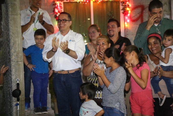 Celebran navidad en Leandro Valle II con llegada del agua y drenaje