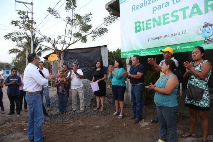 Inaugura Abarca obra de agua potable en Riviera Santo Domingo