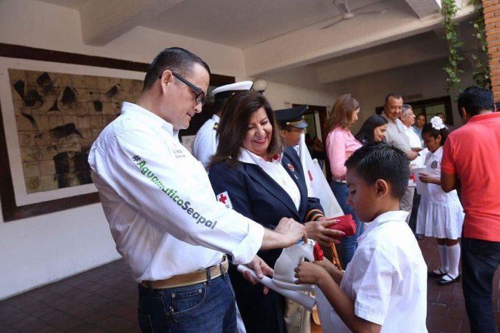 Reconoce Abarca labor humanitaria de la Cruz Roja