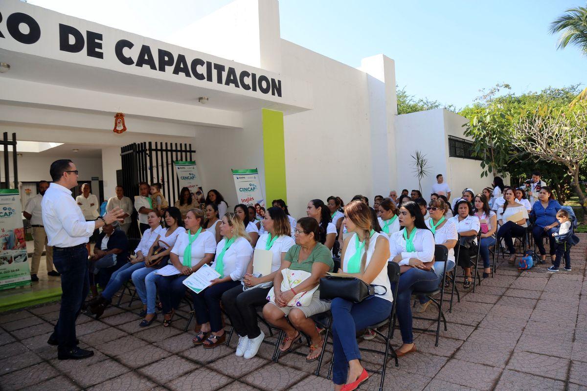 Reconoce Seapal Vallarta a egresados del CENCAP