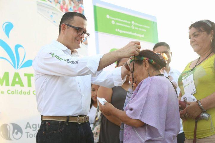 Agradecen a Abarca por Aguamático en Cañadas