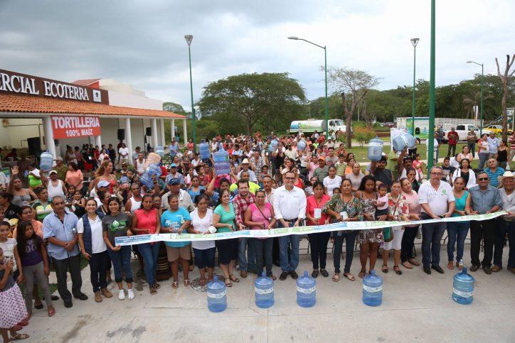"""""""800 familias más beneficiadas con los Aguamáticos"""": Abarca"""