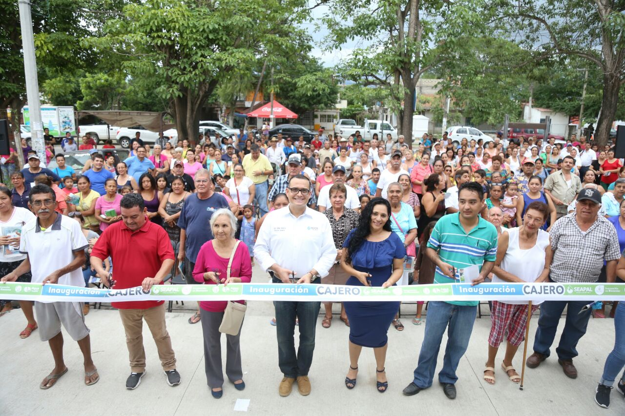 Con Abarca, más y mejores servicios para Ixtapa