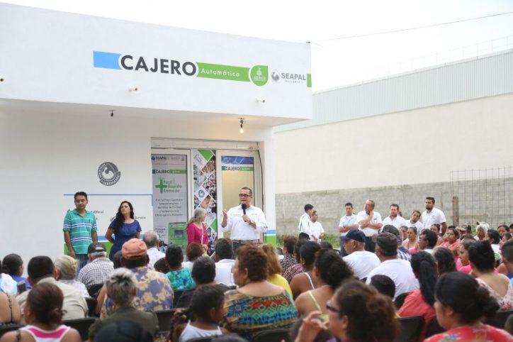 Agradecen a Abarca por un nuevo beneficio para Ixtapa