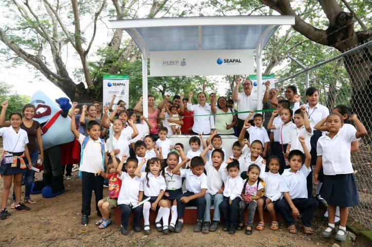Agradecen a Abarca por llevar más beneficios a la zona rural