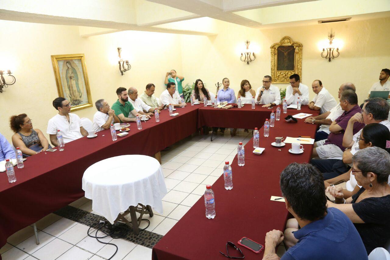 Asume Abarca compromisos con la colonia Emiliano Zapata
