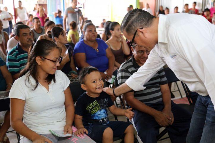 Agradecen apoyo de Abarca en la Guadalupe Victoria