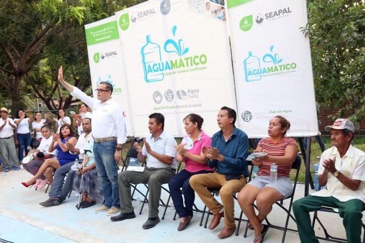 Agradecen a Abarca por beneficios del Aguamático Bugambilias