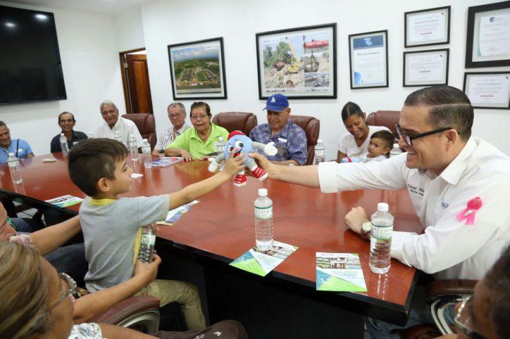 Reitera Abarca compromiso con grupos vulnerables