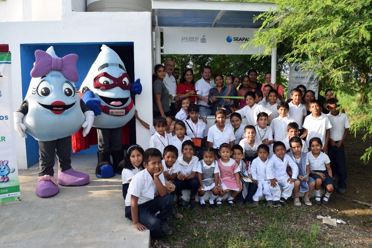 Refrenda Seapal apoyo a la comunidad de El Aguacate