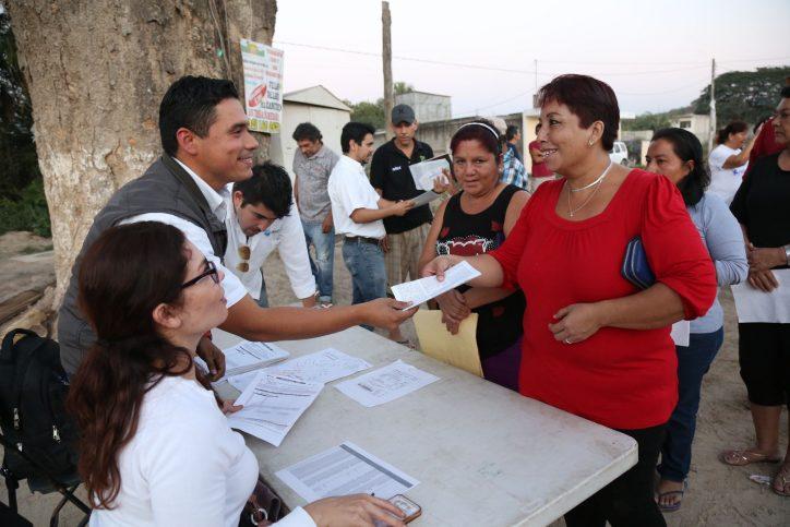 """Vecina de Las Cañadas: """"Con drenaje, vamos a vivir mejor"""""""