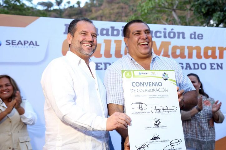 Reitera Andrés compromiso para hacer equipo por Puerto Vallarta