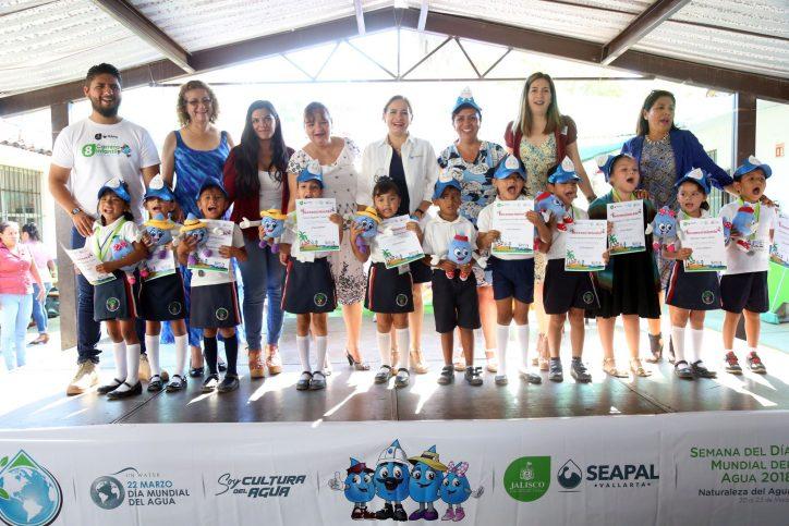 Expresan los niños su compromiso con el cuidado del agua
