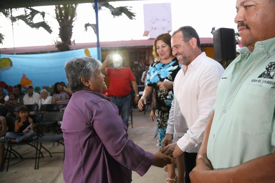 Reconocen beneficiarios de los Aguamáticos apoyo de Seapal