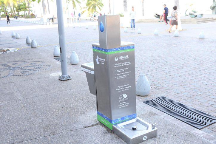 Tiene Puerto Vallarta seis bebederos en espacios públicos