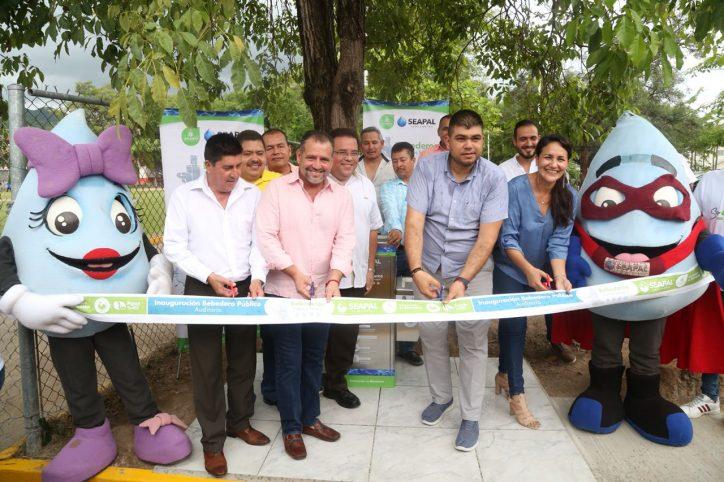 Inaugura Andrés el octavo Bebedero Público de Puerto Vallarta